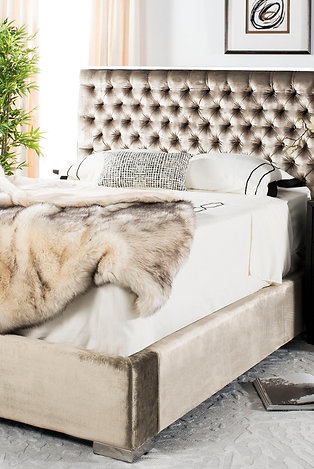 Safavieh Couture Queen Champagne Tafted Bed