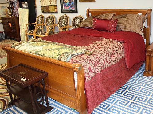 Oak Queen Sleigh Bed
