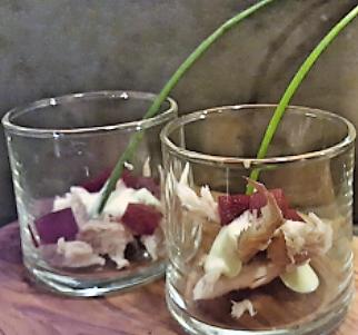 Glaasje met makreel en biet