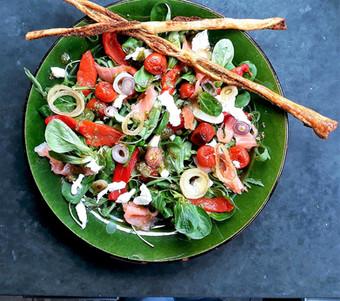 zomersalade met pesto-chopsticks.jpg