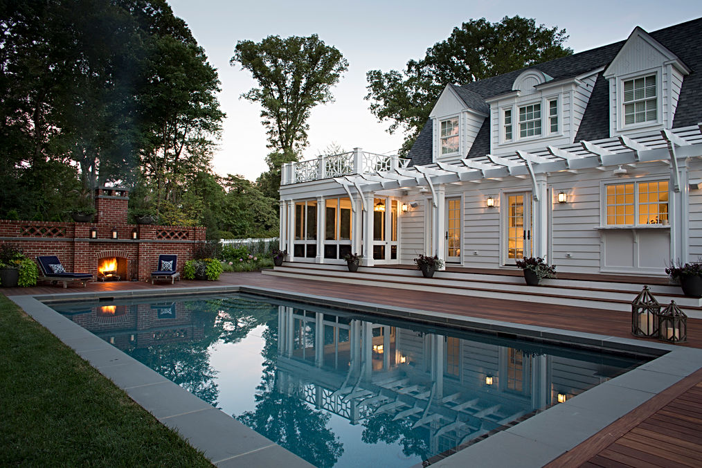 Larose poolhouse.jpg