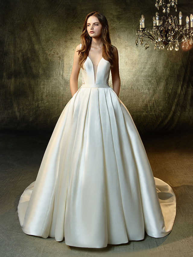 The 1st of our 2019 Dresses from Blue by Enzoani is here!