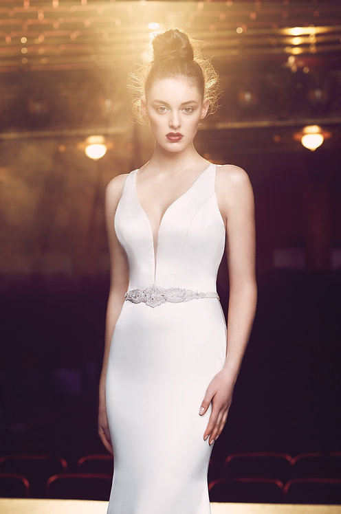 Paloma Blanca dress 4714 at zadika bridal