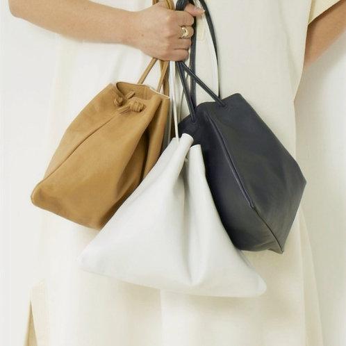 【9月末お届け予定】Easy Leather Bag - BLACK