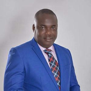 Hon. Felix Mensah Nii Anang-La.   Tema Metro Meyor