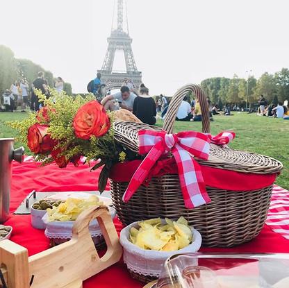 Picnic em Paris é simplesmente um sonho!