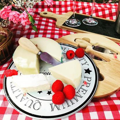 Queijos 😋😋😋#picnicfood #picnicfleurdu