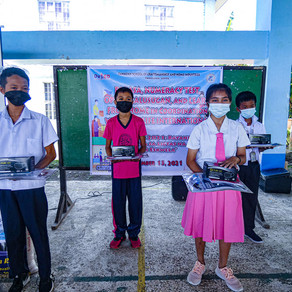 Distribution of Learning Kit in Tanauan, Leyte