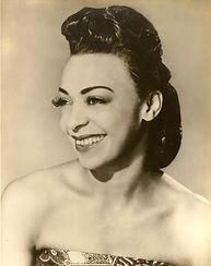 Aunt Gwen early 40s - Copy.jpg