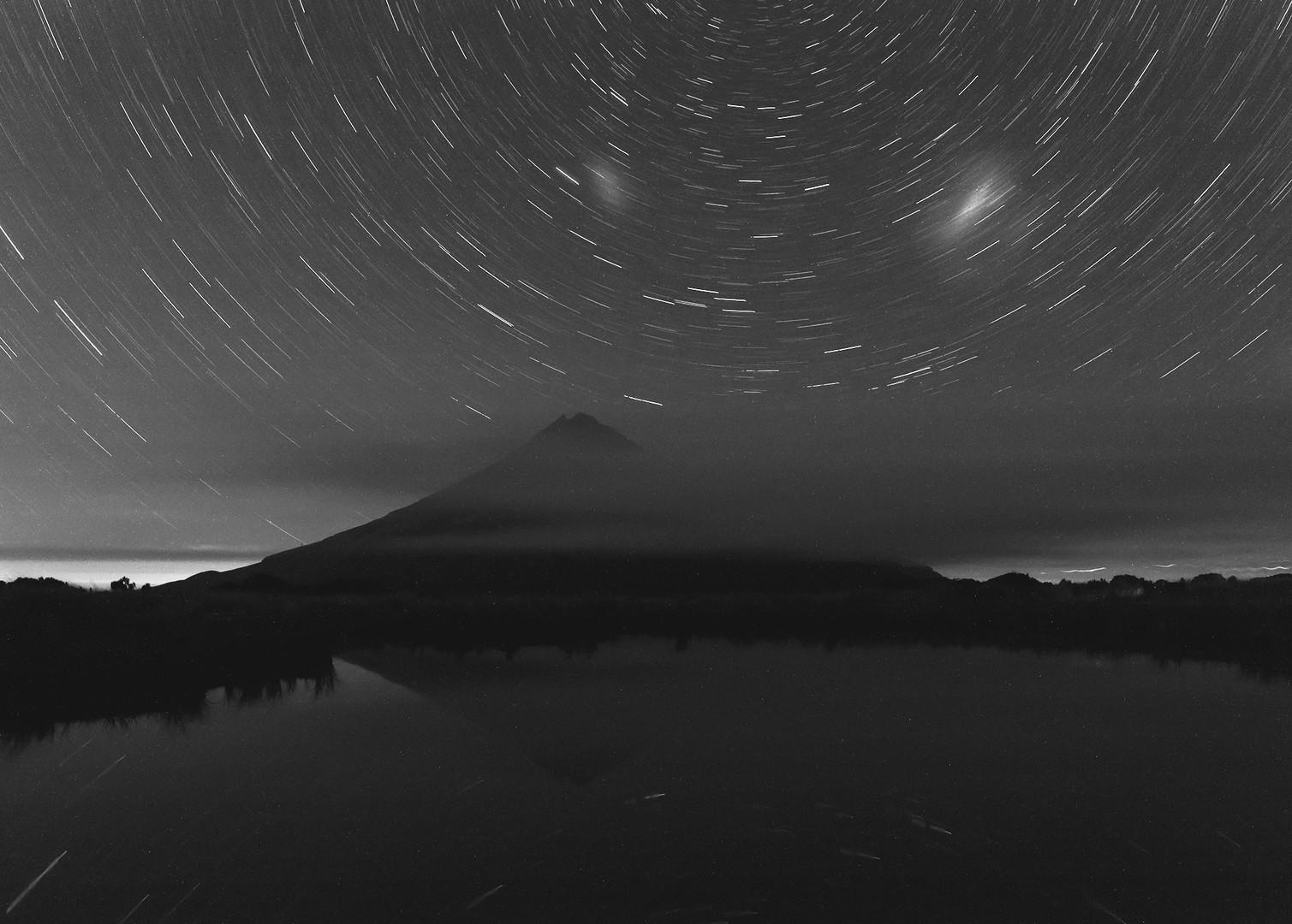 Star Trails - 2000px.jpg