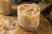 sweet-boozy-irish-cream-mudslide-cocktai