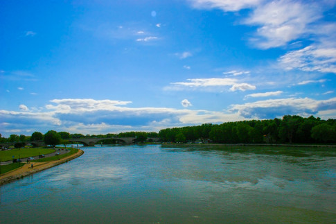 Rhône River; Avignon