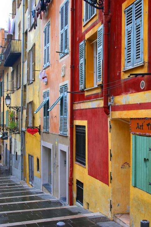Contrast on Rue Rossetti; Nice