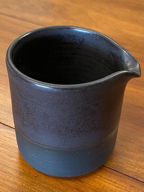 Pot à lait couleur anthracite