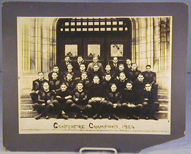 1924 Chicago University (Conference Champions) Football Team Photo