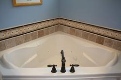 Bathtub-surround
