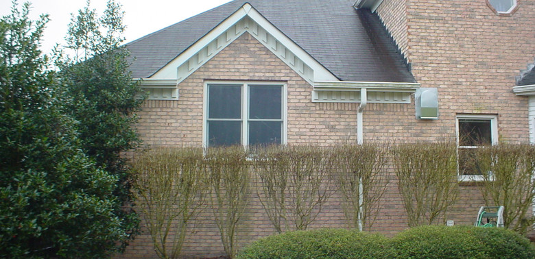 Dantona 1 Porch Before.jpg