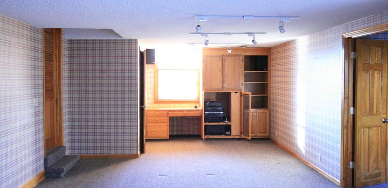 Redmon 1 Kitchen Before.JPG
