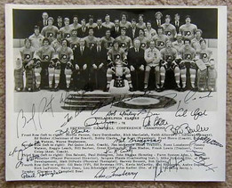 1977-78 Philadelphia Flyers Team Photo Signed by 21 Players