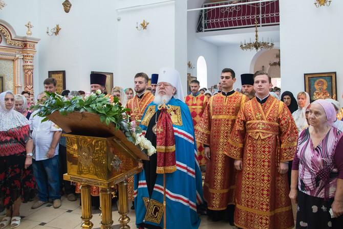 Митрополит Воронежский и Лискинский Сергий возглавил богослужение в день престольного праздника Пант