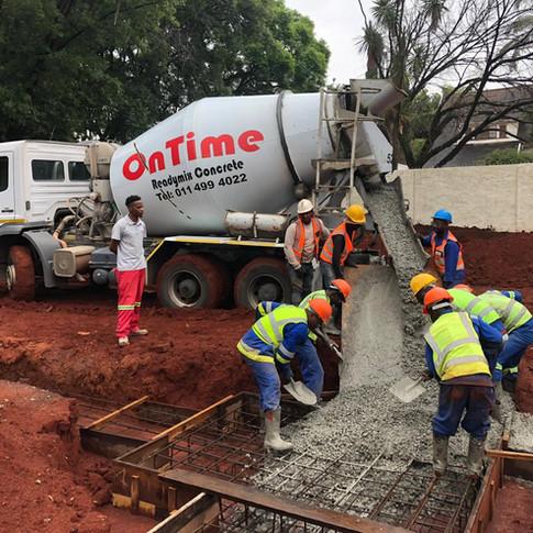 Readymix Concrete pour at Dunkheld