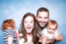 טיפול משפחתי הוא טיפול פסיכולוגי / רגשי, בו המוקד הוא המשפחה, הקשרים בה, דפוסי התקשורת הדינמיקות בין הפרטים. מעוניינים בטיפול משפחתי מקצועי? פנו למרכז רימון