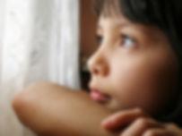 התפרצויות זעם אצל ילדים וקושי לשלוט בכעסים הן תופעות שכיחות אצל ילדים. מה הסיבות ומתי כדאי לטפל וגם מה הורים יכולים לעשות כדי לעזור לילדם. מרכז רימון מומחים בטי