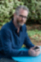 יאיר הבר, פסיכותרפיסט מומחה בטיפול רגשי במתבגרים ומבוגרים וכן בהדרכת הורים. בעל שנים של ניסיון בטיפול בטיפול רגשי במגוון קשיים, מרכז רימון, צפון, זכרון יעקב