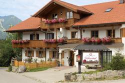 Gästehäuser Holzerhof - wia dahoam
