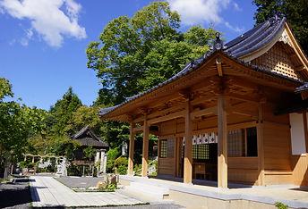 yu-shrine-haiden.jpg