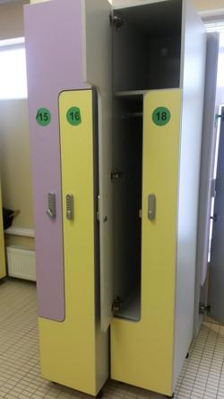 Шкафчик для одежды