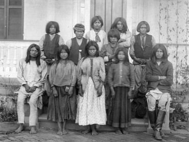 chiricahua_apaches_as_they.jpg