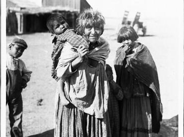 apache_indian_grandmother_carrying.jpg