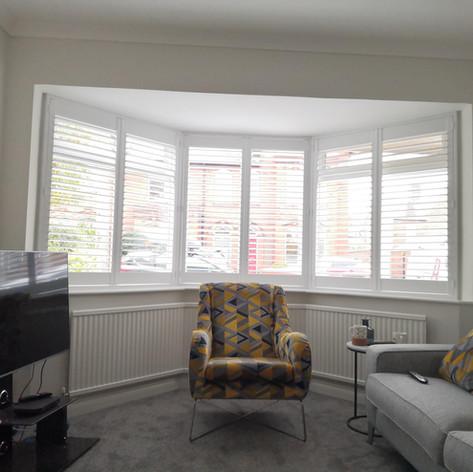 Living Room Bay