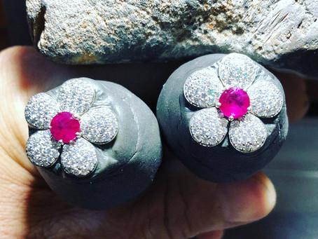 Percorsi creativi: orecchini a fiore di ciliegio