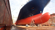 Maintaining a clean hull: the environmental and economic footprint of ship hull fouling and hull maintenance