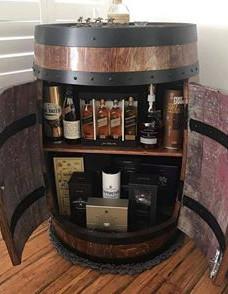 Drink storage cabinet