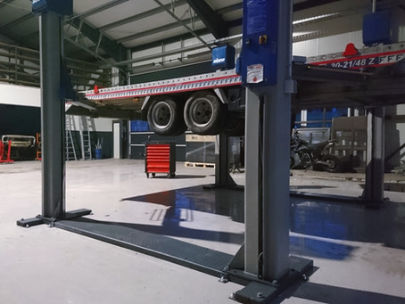 Ausbau im Anhänger-Reparaturgeschäft