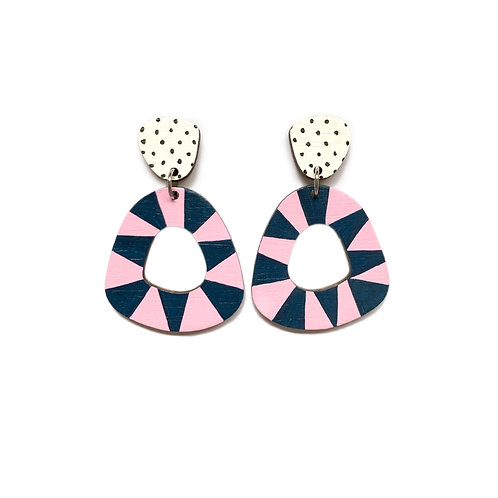 Chunky Loopy Wood Dangles - Navy/Pink