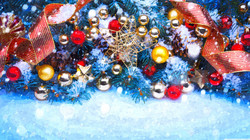 christmas_trees_decorated_in_red_and_gol