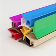 Цветная декоративная вставка в натяжной потолок