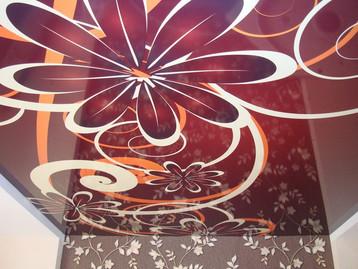 Фотопечать на глянцевом потолке