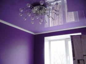 Цветной глянцевый потолок