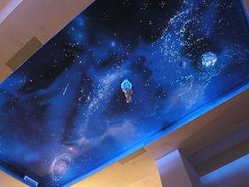 звездное небо в коридоре