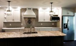 White kitchen, tile backsplash diamond