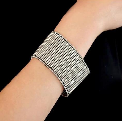 African bracelet_Try on