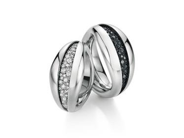 Mystery ring_white gold.jpg