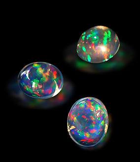 60多克拉水晶蛋白石.jpg