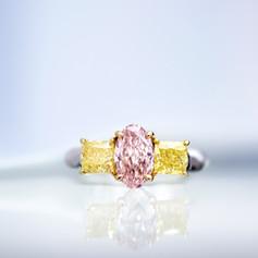 鑽石  GIA証 1.25克拉橢圓 粉鑽戒