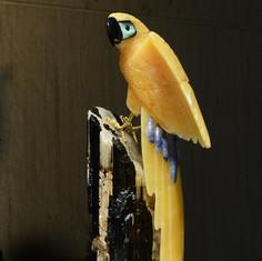黃色方解石鸚鵡雕件